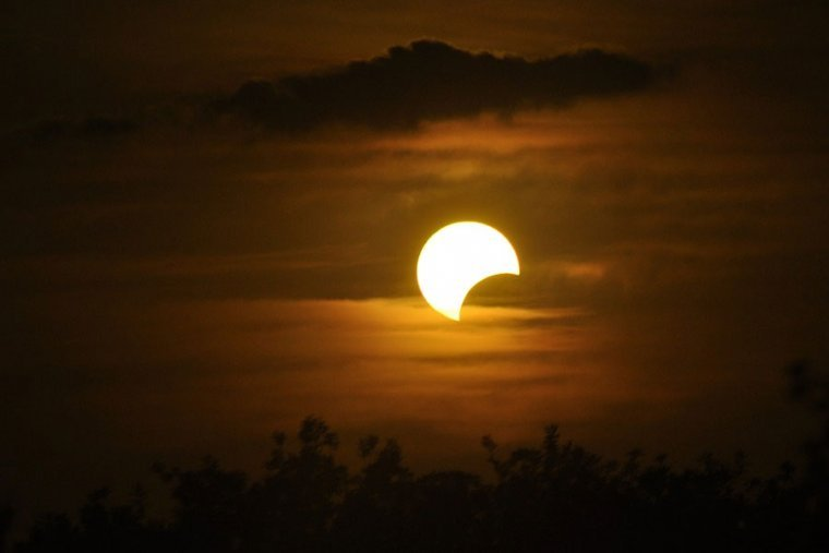january-6-2019-first-partial-solar-eclipse-of-the-year-5c2dbacd3ffb1